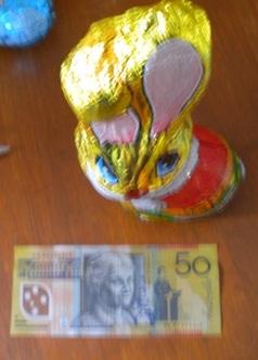 Easter egg moeny treasure hunt